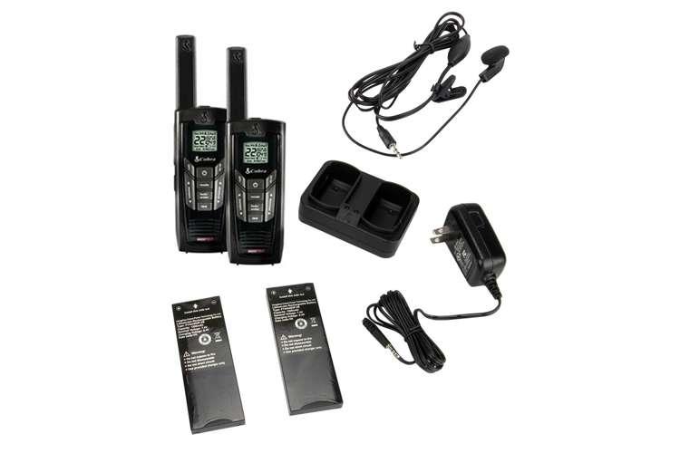 CXR925 + GA-EBM2�Cobra CXR925 22-Channel 35-Mile Two-Way Radio + Earbud & Mic