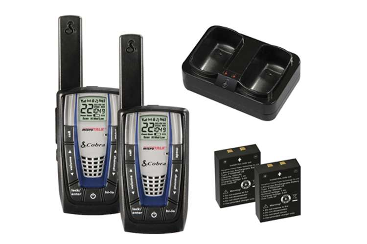 CXR875 + 2 x GA-EBM2�Cobra CXR875 30 Mile 22 Channel FRS/GMRS Walkie Talkie 2-Way Radios (2) + Headsets (2)