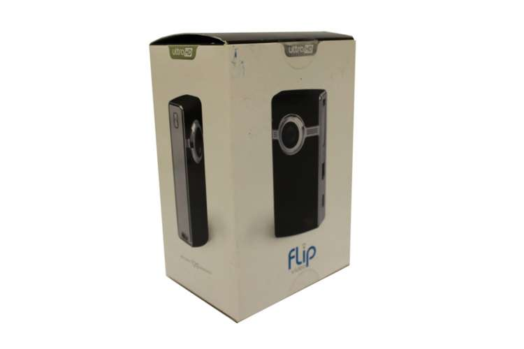 U2120B�Flip U2120B UltraHD Camcorder 8 GB